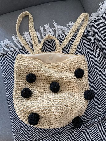 plecak pleciony z pomponami pull&bear