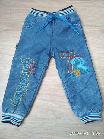 Джинсовые штанишки на меху.