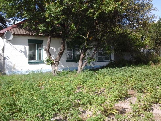 Продам кирпичный дом с участком земли в Киевской области!