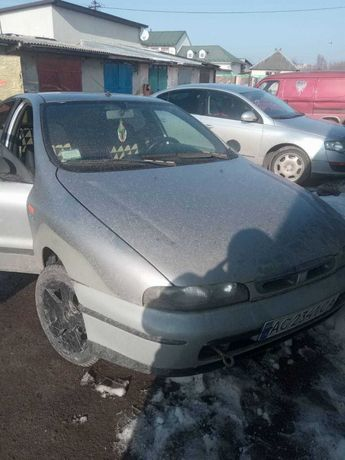 Машина Fiat Marea