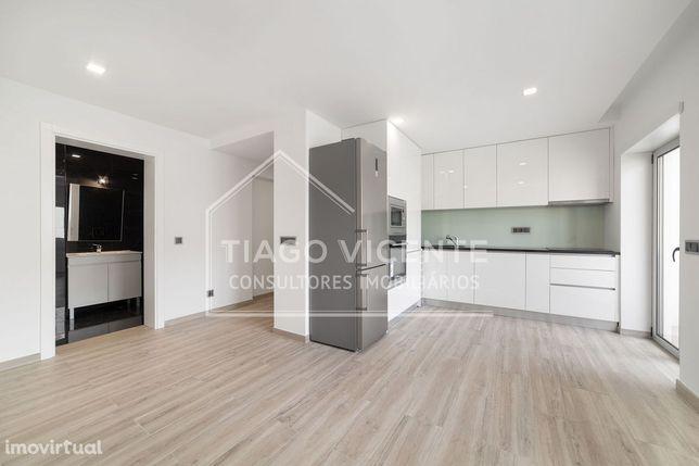 Apartamento T1 / Cozinha Equipada / Centro de Leiria / Arrendamento