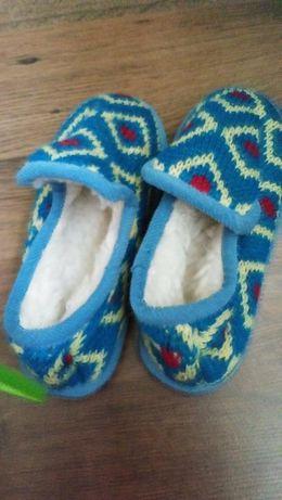 Nowe pantofelki zimowe