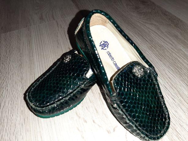 Новые нарядные праздничные туфли для мальчика годовасику 21р