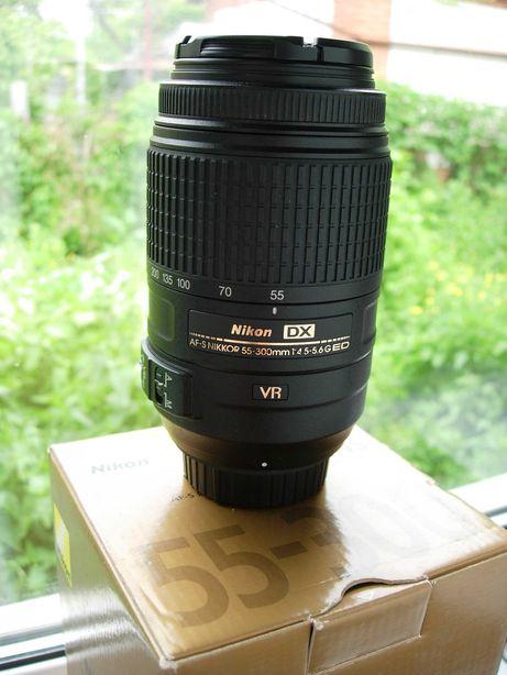 NIKKOR DX 55-300mm f/4.5-5.6 G ED VR в хорошем состоянии