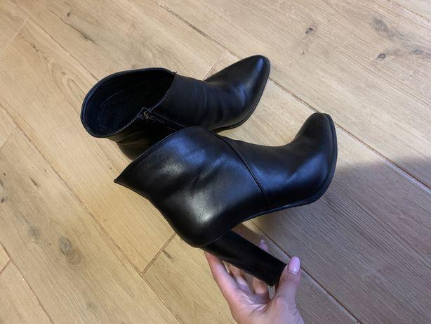 Ботинки кожаные , ботінки шкіряні, ботильйони