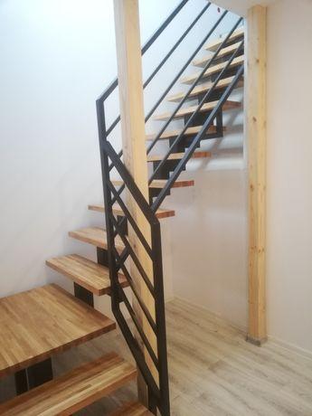 Schody metalowe, drewniane