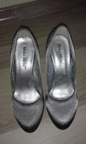 śliczne buty, szpilki, ślubne i nie tylko