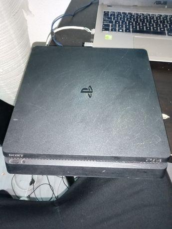 PlayStation4 1TB c/2 comandos