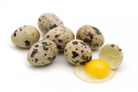 Домашние перепелиные яйца, перепелині яйця