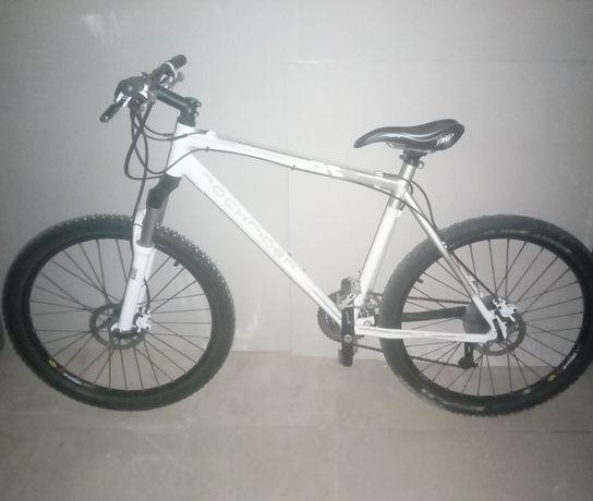 Bicicleta Rockrider 8.2
