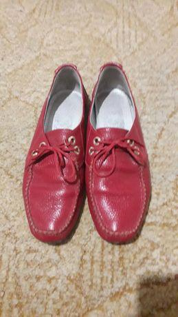 Туфли,мокасины красные