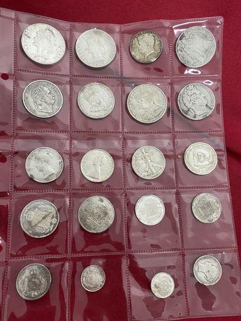 Muitas moedas de prata