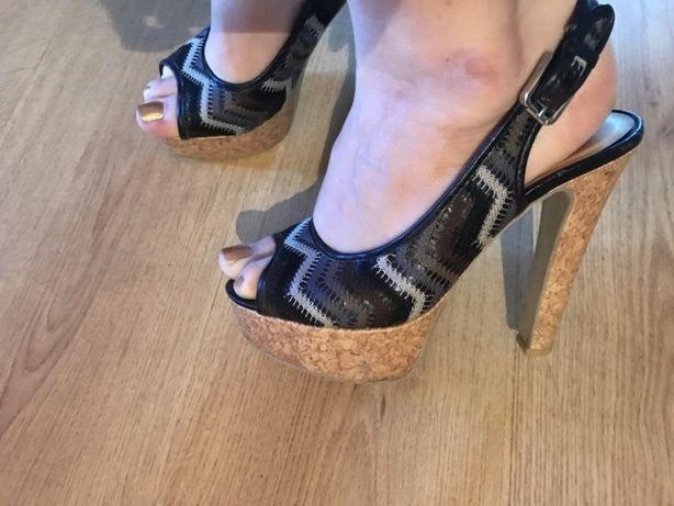 Mega wysokie buty rozmiar 7