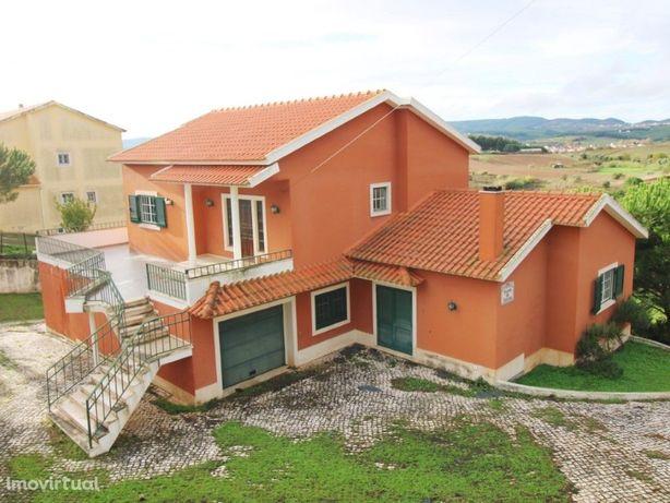 Moradia V3 com terreno 12400m2 na localidade Pocariça-Imó...