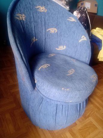 Fotel pufa kubełkowy