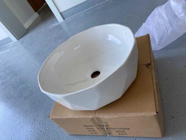Umywalka nablatowa REA Vista White