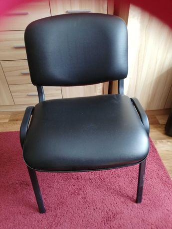 Krzesło czarne z Eco skóry z metalowymi czarnymi nogami