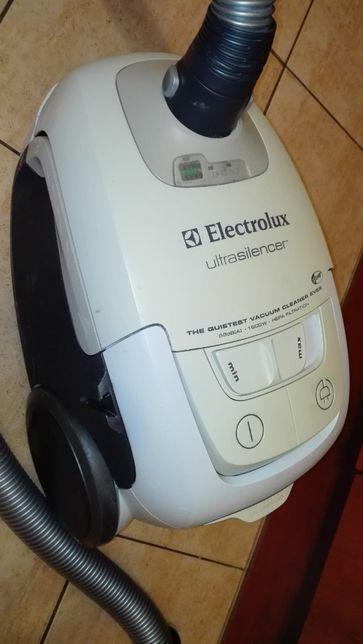 Electrolux Ultrasilencer odkurzacz ZUS3920 -na części
