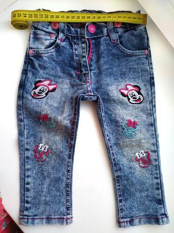 Модные детские джинсы с подтяжками на девочку