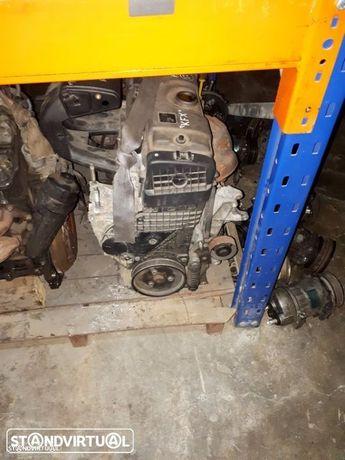 Motor completo Peugeot 206 1.4 KFX