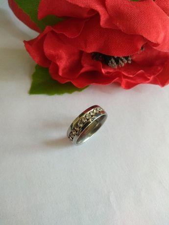 кольцо обручка р7