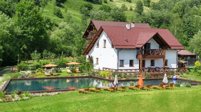 Коттедж с бассейном Буковель Карпаты.