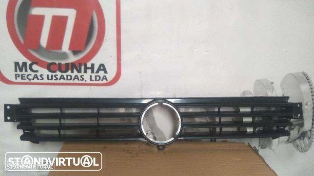 Grelha frontal VW Polo Classic 95-99 - NOVA