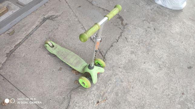 Продам самокат-скутер!