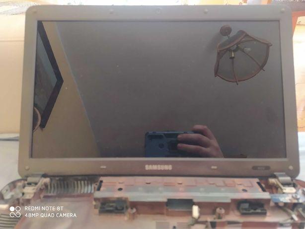 Laptop Samsumg R523 na części