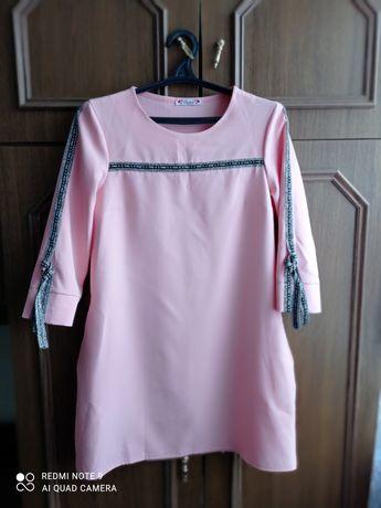 Жіноче плаття в ідеальному стані