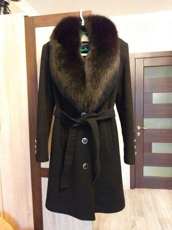 Пальто в чудовому стані