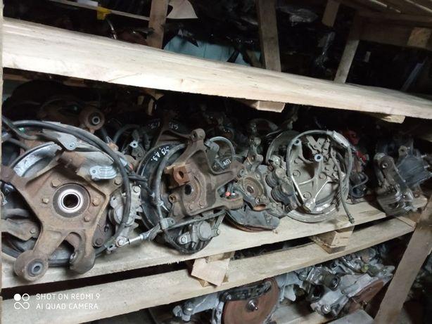 Поворотний кулак цапфа ступиця тормозний супорт Subaru