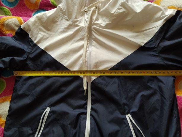 Тёплая ветровка курточка 44 размер.