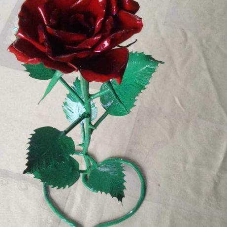 Кованные розы под заказ
