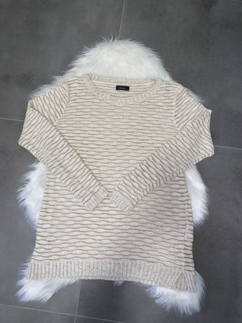 Sweterek zlota nitka
