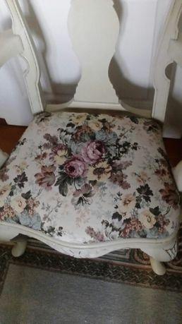 Fotel drewniany tapicerowany