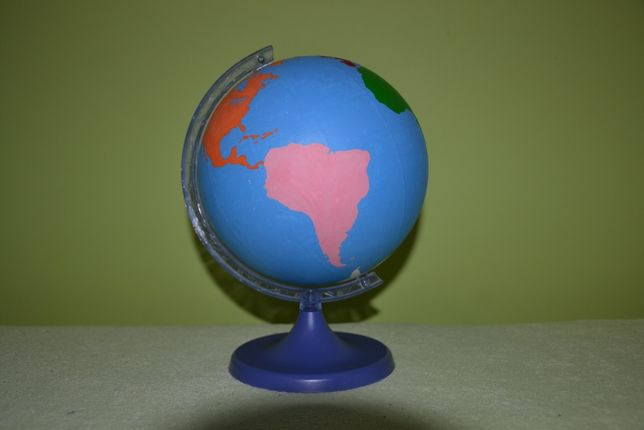 Globus kontynenty Montessori