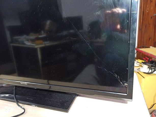 Telewizor Led Technika T32HD - uszkodzona matryca