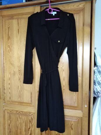 Czarna kopertowa sukienka