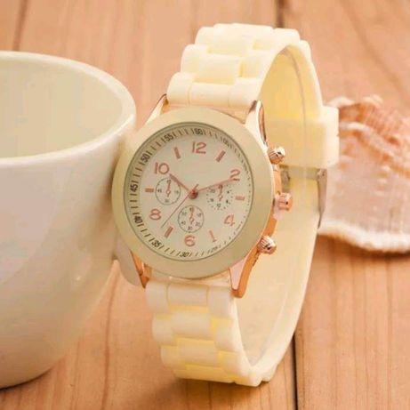 Zegarek damski na sylikonowym pasku 2 kolory
