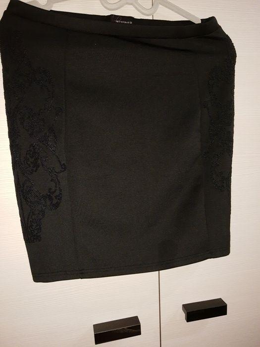 Spódnica Reserved czarna z aplikacją 40 Wrocław - image 1