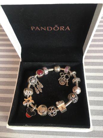 Оригинальгый, серебряный браслет PANDORA ( все бусинки оригинальные )