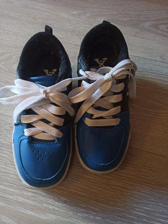 Роликовые кроссовки Ролики