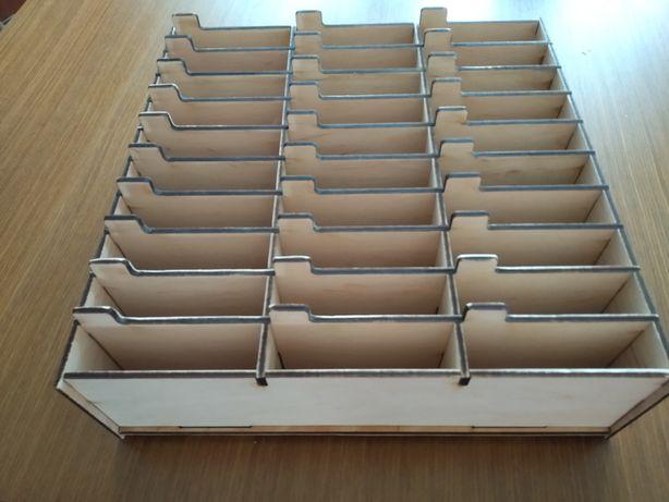 Коробка-органайзер під телефони для використання у школі