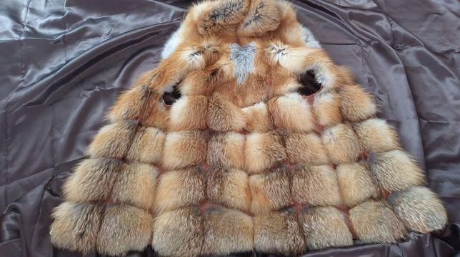 Жилетка из натурального меха лисы. 46 размер