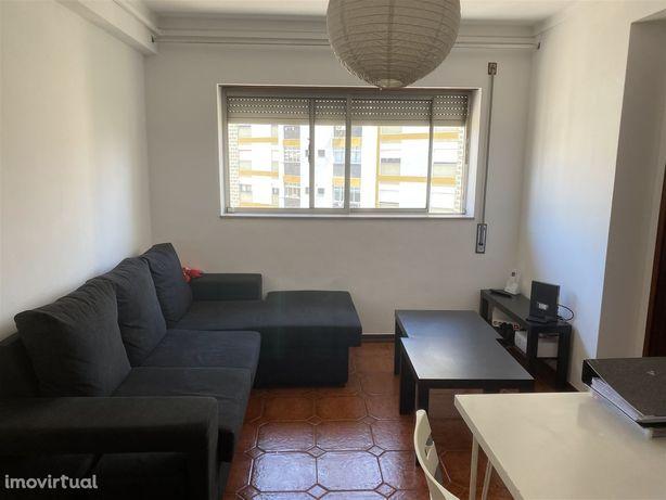 Apartamento T2 Arrendamento em Santo António dos Olivais,Coimbra