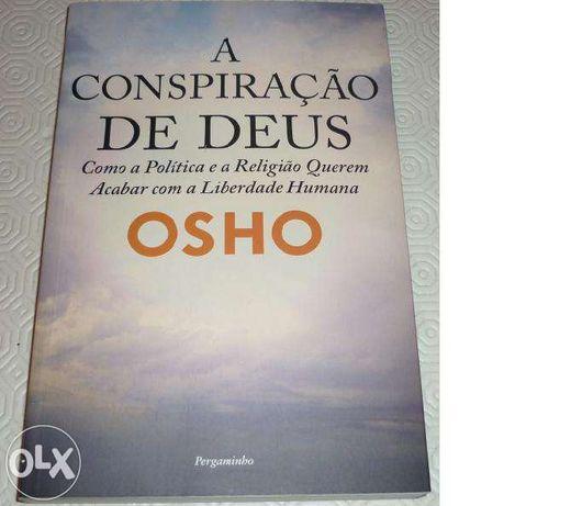 """Vendo livro """" A Conspiração de Deus"""""""