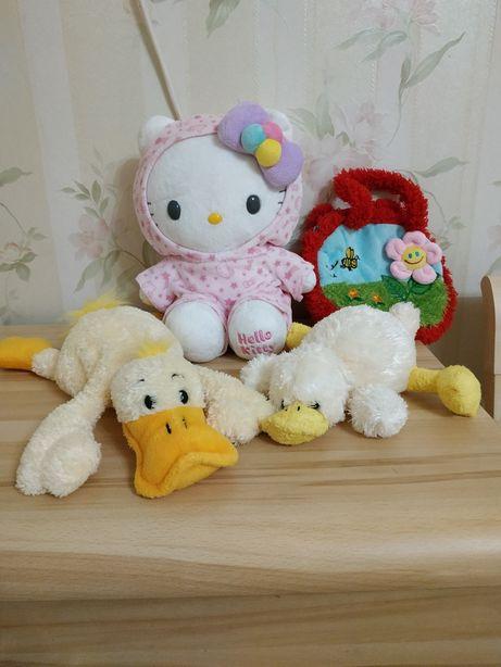 Набор мягких игрушек в постель