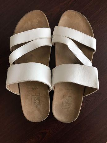 Шльопанці Шлепанцы Летняя обувь Літнє взуття