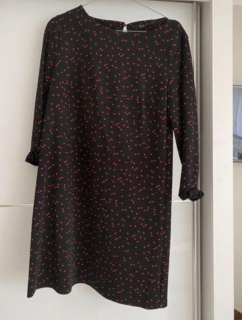 Czarna sukienka Mohito w drobne serca S